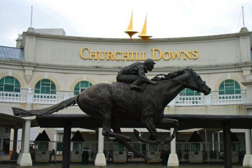 Churchill_Downs_Entrance_Barbaro_Statue-e1493564716636